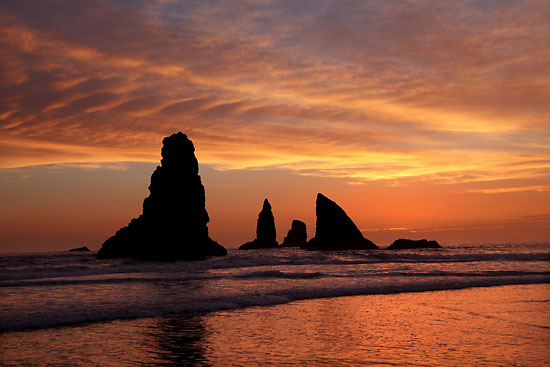 Oregon Coast, China Beach, Pacific Ocean, Seastacks, sunset near Brookings and Gold Beach Samuel H. Boardman State Park