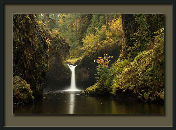 Punch Bowl Falls Eagle Creek Columbia River Gorge, Oregon