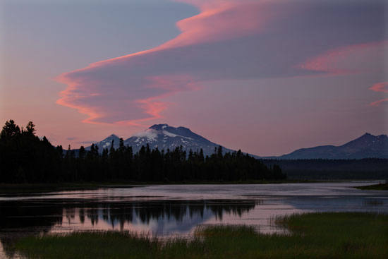 Sunset, Crane Prairie Lake, Cascade Mountains, Oregon.