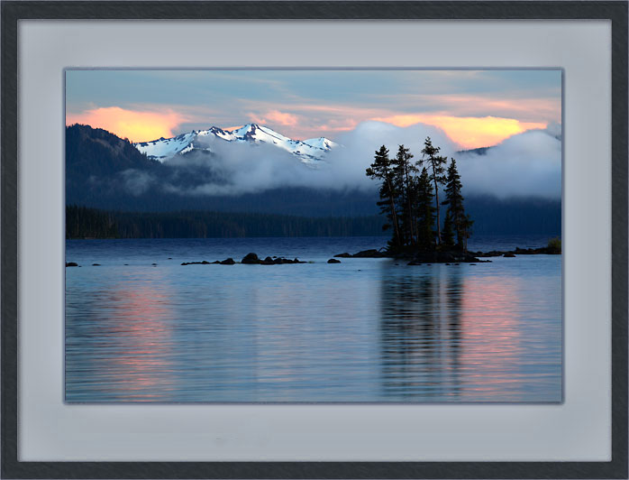 David Whitten Photo - Waldo Lake, Diamond Peak, Sunset, Cascade Mountains Oregon.