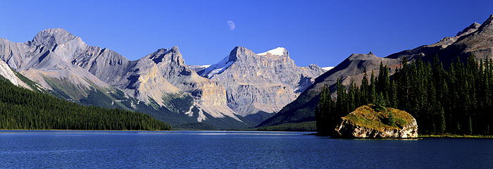 Maligne Lake, Jasper National Park photograph, Alberta, Canada